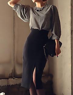 עד הברך - בינוני (מדיום) - סגנון - חצאית ( פוליאסטר )