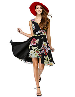 Cocktail Party Dress A-line V-neck Knee-length Chiffon with Pattern / Print