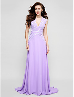 TS Couture® Formal Evening Dress Plus Size / Petite A-line V-neck Sweep / Brush Train Chiffon with