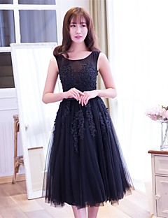 Cocktail Party Dress A-line Scoop Tea-length Lace / Tulle with Appliques / Lace