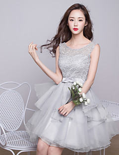 Knee-length Lace Bridesmaid Dress - Ball Gown Jewel with Bow(s) / Lace