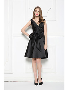 Cocktail Party Prom Dress - Little Black Dress A-line V-neck Knee-length Satin with Bow(s) Sash / Ribbon Side Draping
