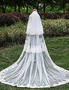 Wedding Veil Three-tier Cathedral Veils Lace Applique Edge Tulle / Lace Ivory
