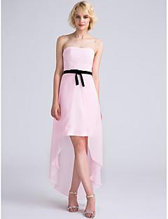 Lanting Bride® Asymétrique Mousseline de soie Robe de Demoiselle d'Honneur  Fourreau / Colonne Sans Bretelles avec Noeud(s)