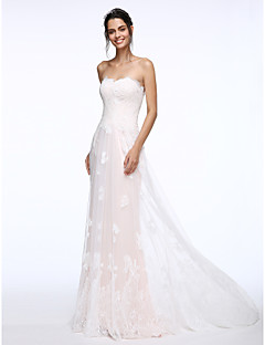 Lanting Bride® Sheath / Column Wedding Dress Sweep / Brush Train Strapless Lace with Appliques / Button