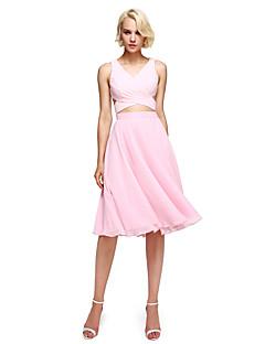 Lanting Bride®Knee-length Georgette Bridesmaid Dress - Elegant / Color Block A-line V-neck with Criss Cross