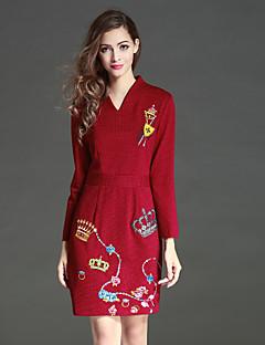 Damen Hülle Kleid-Lässig/Alltäglich Chinoiserie Stickerei V-Ausschnitt Übers Knie Langarm Rot Polyester Herbst / Winter Hohe Hüfthöhe