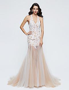 TS Couture® Formell kveld Kjole - Elegant Havfrue Haltertopp Svøpeslep Blonder Tyll med Blonder Plissert