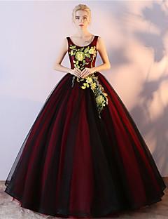 ボールガウンのスクープネックフロアの長さチュールサテンシフォンフォーマルドイブニングドレスと刺繍