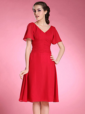 A-line Plus Size / Petite Mother of the Bride Dress Knee-length Short Sleeve Chiffon with Pleats