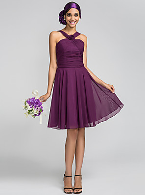 Knee-length Chiffon Bridesmaid Dress A-line / Princess Halter Plus Size / Petite with Flower(s) / Criss Cross / Ruching