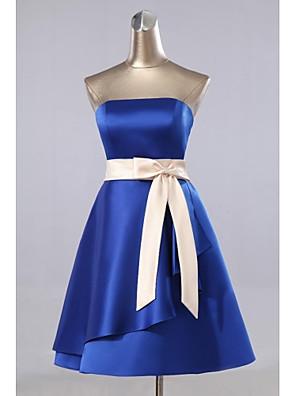 באורך  הברך סאטן שמלה לשושבינה - גזרת A סטרפלס עם כיסים