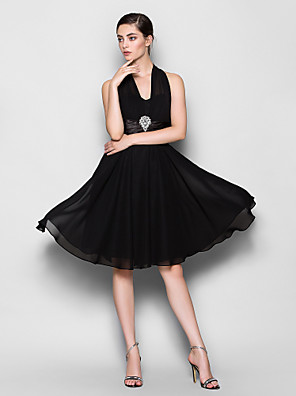 Knee-length Chiffon Bridesmaid Dress A-line Halter Plus Size / Petite with Crystal Brooch
