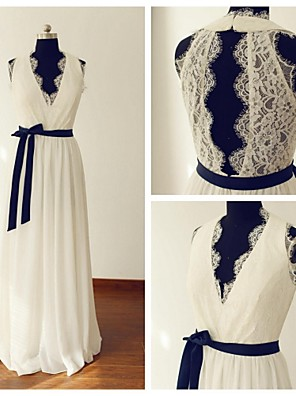 A-line Wedding Dress - Ivory Sweep/Brush Train V-neck Chiffon / Lace