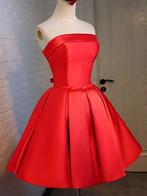 מסיבת קוקטייל שמלה נשף סטרפלס באורך  הברך סאטן / סאטן נמתח עם סרט / סגנון רצועות תחבושות