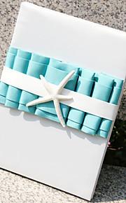 plage orientée bleu livre d'or avec des pages vierges tri-plié connecter livre