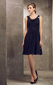 Knee-length Chiffon Bridesmaid Dress - Black Plus Sizes A-line/Princess Cowl/Straps