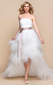 Corte en A / Princesa Vestido de Boda - Moderno y Chic / Glamouroso Vestidos Blancos / Inspiración Vintage Asimétrica Sin Tirantes Tul con
