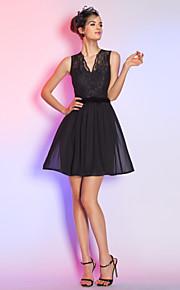 Cocktail Party/Holiday Dress - Black Plus Sizes A-line V-neck Short/Mini Lace/Chiffon
