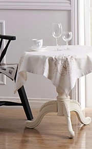 """1 set van 34 """"x 34"""" geborduurd vierkante tafelkleden en 4 11 """"x 11"""" linnen servetten"""
