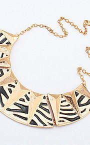 Punk Style Gold Geometry Big Triangle Stripe Dress Collar Necklace for Women Accessories