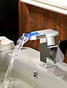 zeitgenoessische Farbwechsel LED Wasserfall Waschbecken Wasserhahn (verchromt)