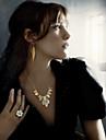 Cotingbo Kvinnors Fashions Överdriva Skärmfärg Kort halsband