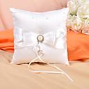 kroužek polštář v slonovinou saténu s lukem a umělé perleti