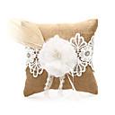 Posteljina vjenčani prsten jastuk s čipkom i cvijet